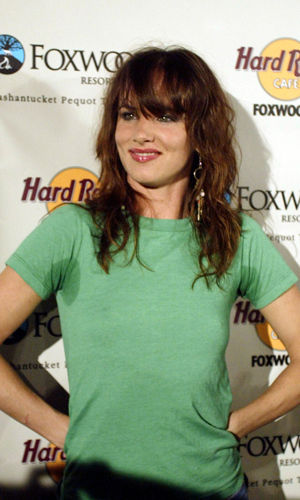 Juliette Lewis sweat